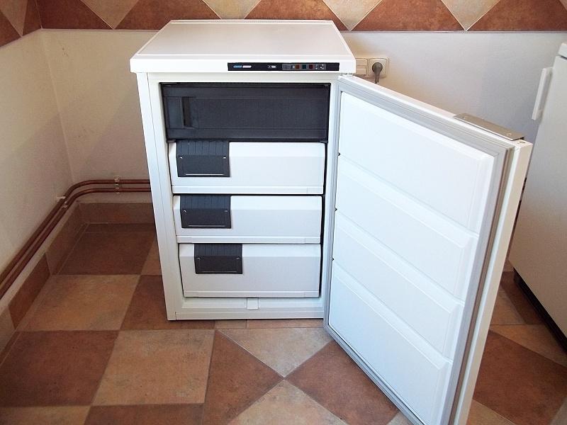 http://bazarcentrum.cz/storage/Mrazaky092018/4A.JPG